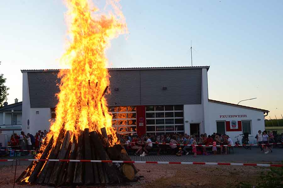 Johannisfeuer, Feuerwehr, Veranstaltung, Termin, sozial,