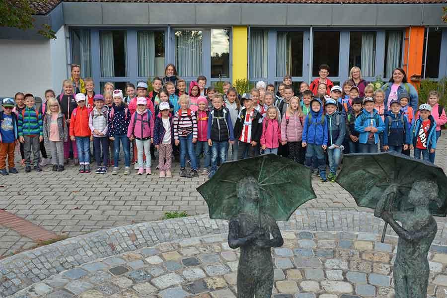 Grundschule, Kinder, Wandertag, Ausflug, Unterricht,